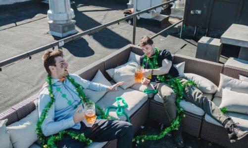 Aantrekkelijke loungesets voor op het balkon